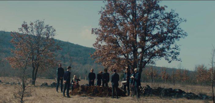 "M.O.R.T. predstavlja pjesmu ""Standing, Running"" s nadolazećeg albuma  na engleskom jeziku"